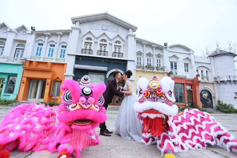 múa lân đám cưới