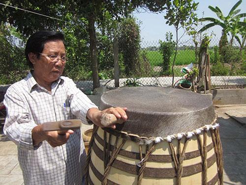 căng mặt trống quan trọng trong cách làm trống múa lân