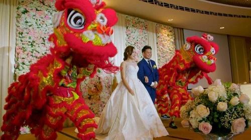 múa lân ngày cưới, thường tổ chức lúc rước dâu